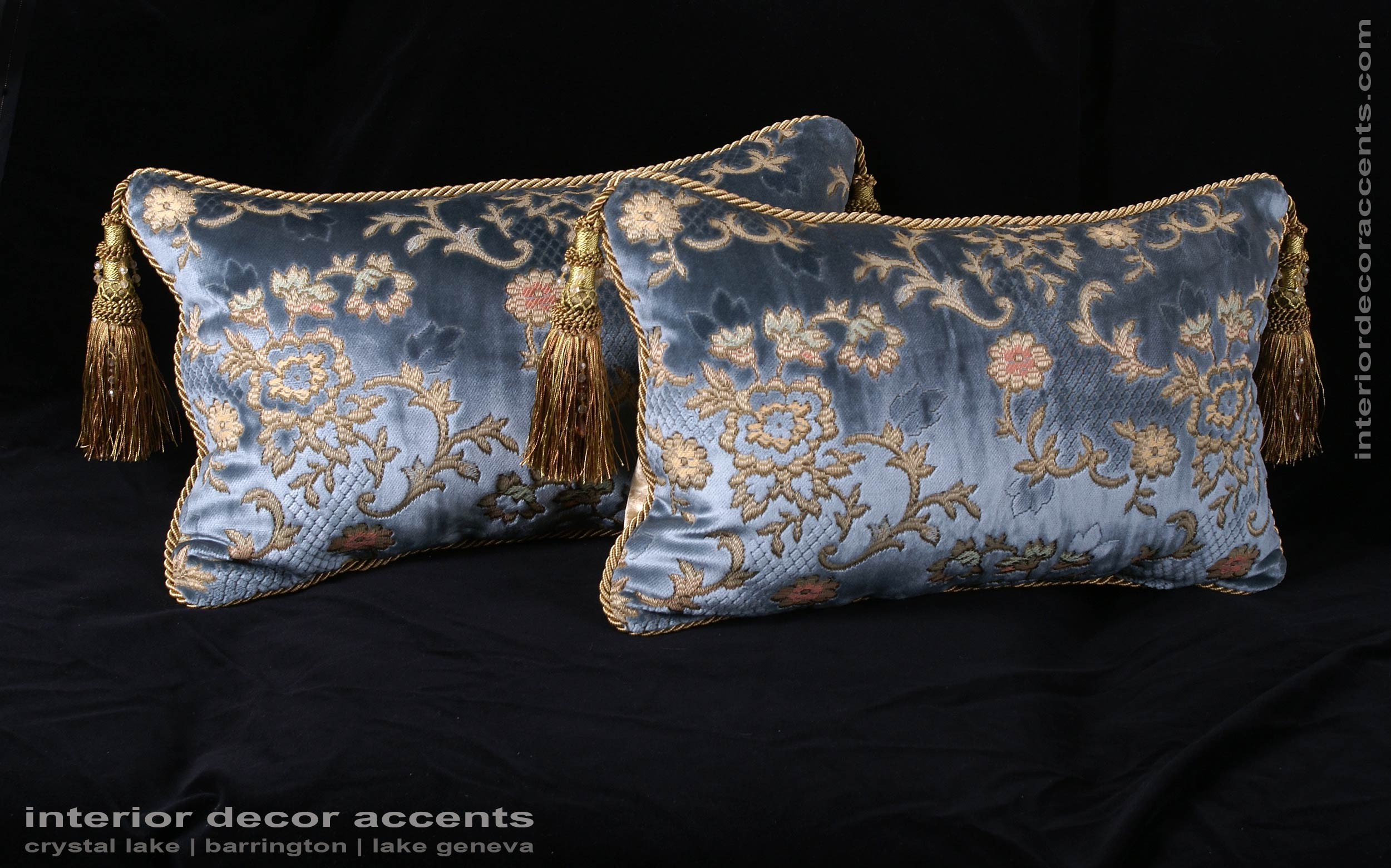 Scalamandre sculpted silk velvet lee jofa elegant accent for Luxury decorative throw pillows